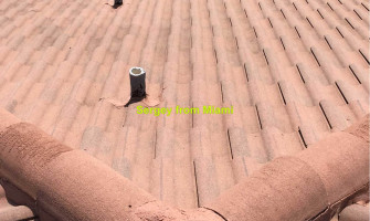 Soft wash roof in Broward county, Florida. Low pressure