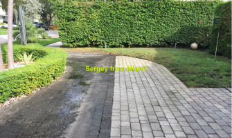 Pressure cleaning of the sidewalk and driveway at Cleveland Rd, Miami Beach, FL 33141