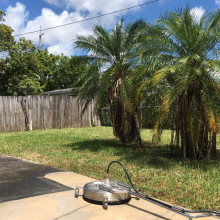 Pressure cleaning of driveway at Hollywood, Florida