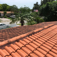 Pressure washing of the roof in Homestead, Florida